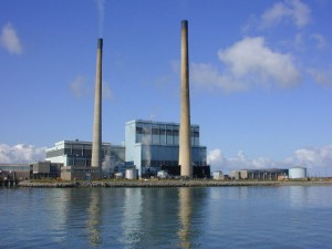 Tarbert Power Station. An oil fired power station in Co. Kerry. | Image: Charles W Glynn, Wikimedia.